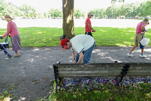 Walter Levesque's bench decorations in Salem