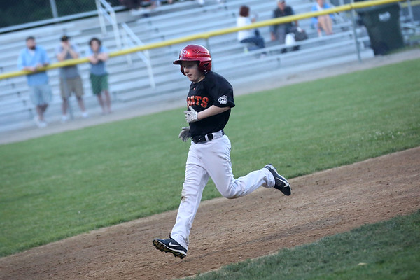 HADLEY GREEN/ Staff photo<br /> Giants' Hayden Russo (8) runs to third base at the White Sox v. Giants Beverly Little League championship game at the Harry Ball Field. 6/21/17