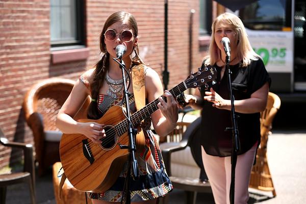 Staff photo/ HADLEY GREEN<br /> Liz Bills sings at the Salem Arts Festival. <br /> <br /> 06/01/2018