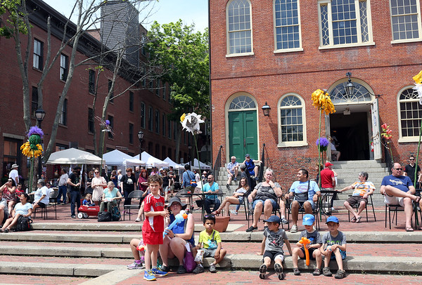 Staff photo/ HADLEY GREEN<br /> People stroll and listen to music at this year's Salem Arts Festival. <br /> <br /> 06/01/2018