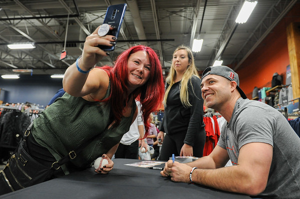World Series MVP Steve Pearce autograph signing at Dick's Sporting Goods