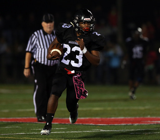 DAVID LE/Staff photo. Marblehead senior running back Jaason Lopez breaks into the open field against Beverly. 10/7/16.