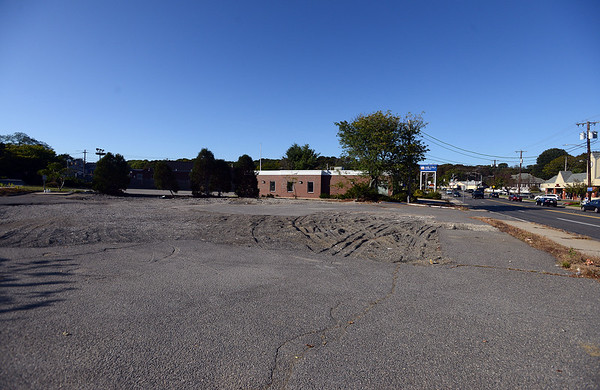 RYAN HUTTON/ Staff photo<br /> The empty lot at roughly 10 Paradise Road in Salem.