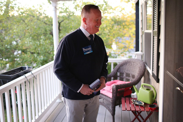 HADLEY GREEN/Staff photo<br /> Salem mayor candidate Paul Prevey spoke to voters on Scenic Ave in Salem while out campaigning.<br /> <br /> 10/27/17