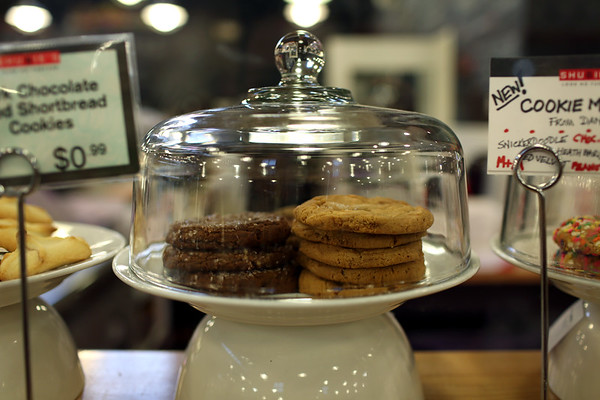 HADLEY GREEN/ Staff photo<br /> An assortment of cookies sit on the counter at Shubie's in Marblehead.<br /> <br /> 10/16/2018