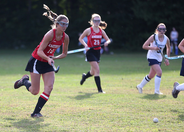 HADLEY GREEN/ Staff photo<br /> Amesbury's Sage Dodier (10) chases after the ball at the Hamilton-Wenham v. Amesbury field hockey game in Hamilton.<br /> <br /> 09/24/2018