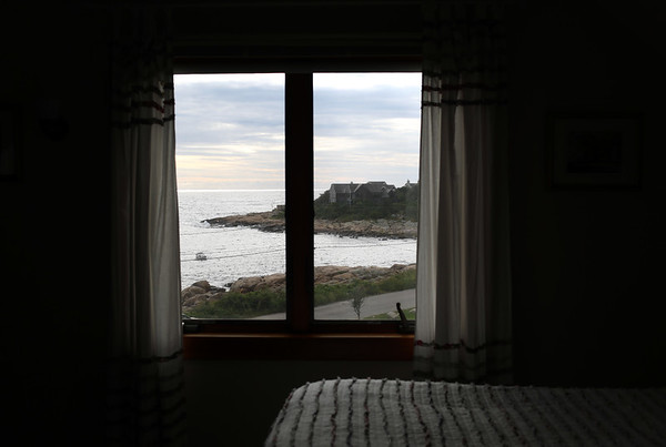 HADLEY GREEN/ Staff photo<br /> The Seafarer Inn on Marion Way in Rockport offers ocean views from every bedroom. <br /> <br /> 09/21/2018