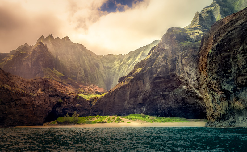 Mystic Light on Na Pali Coast
