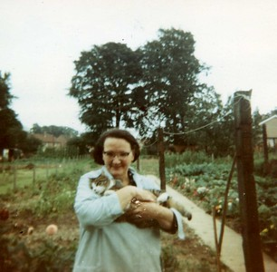 Mum and cat @ Priory Avenue