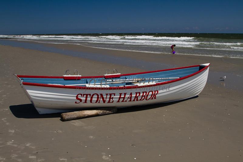 Stone Harbor Lifeboat,Girl and Seagull, 8-13©DonnaLovelyPhotos com  300dpi