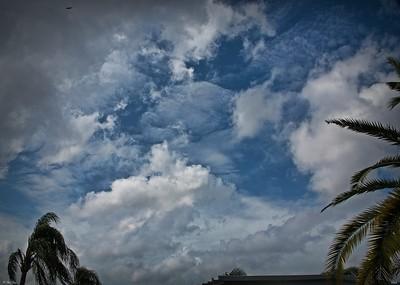 rx10_007_clouds