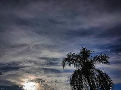 rx10_004_clouds