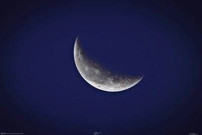 001_waning crescent moon  35_2021-08-02