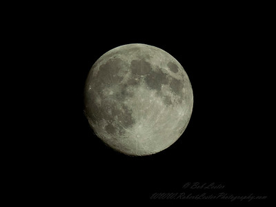 2019-04-18_m13001 4 1 2500,eb-2 7,f8,iso500, waxing gibbons moon__4180001