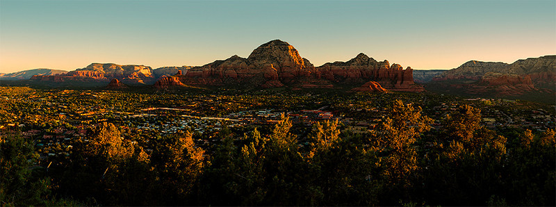 The town of Sedona with its red rock background.