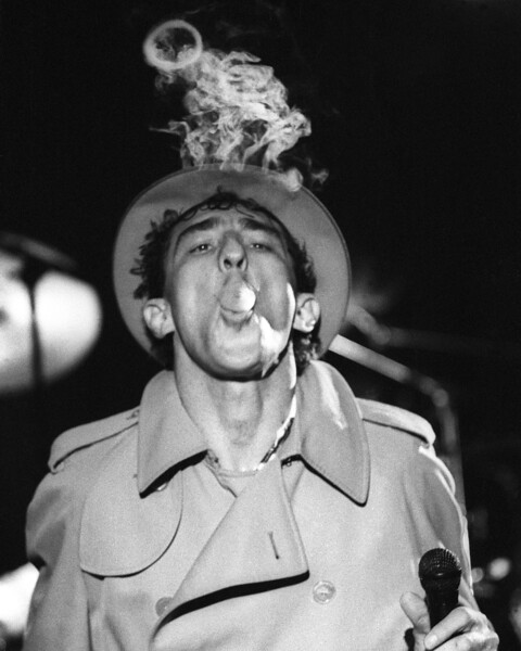 """Fee Waybill performs the song """"Smoke"""" with The Tubes at the Old Waldorf in San Francisco on February 1, 1982."""