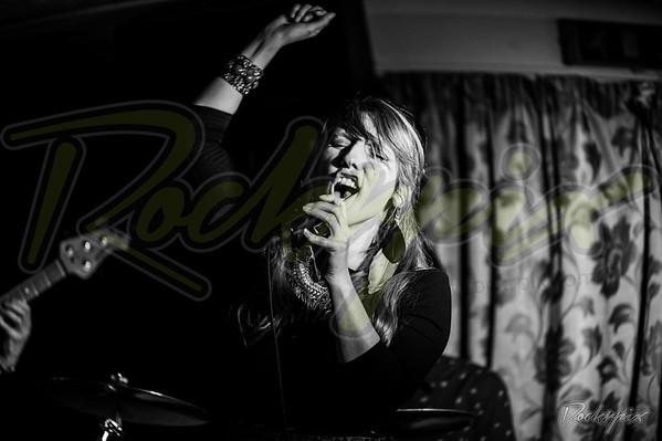 ©Rockrpix  -  Dove & Boweevil