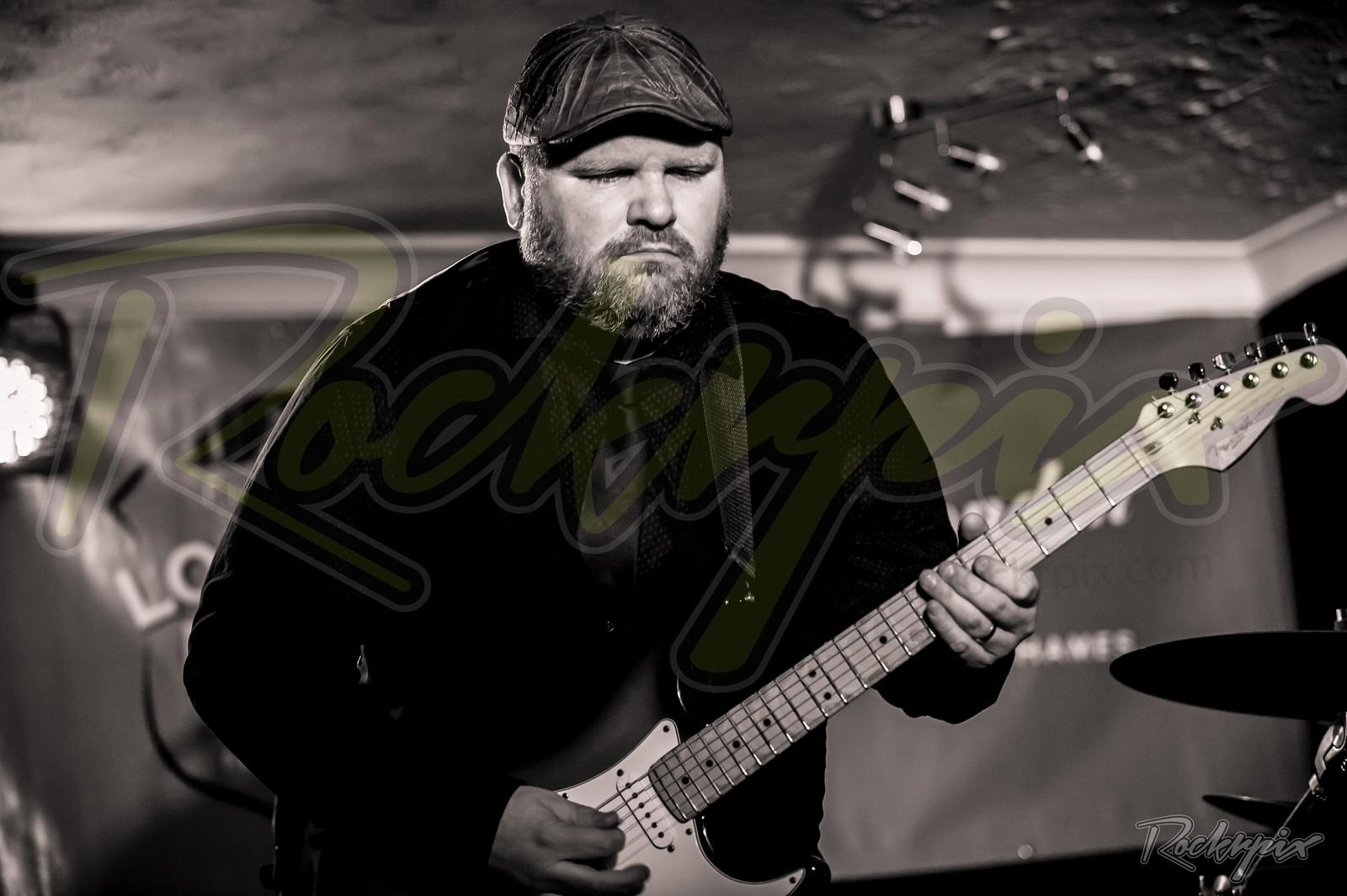 ©Rockrpix  -  John Doe Trio