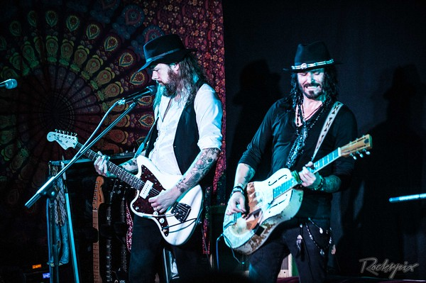 ©Rockrpix - Redfern & Ross Band
