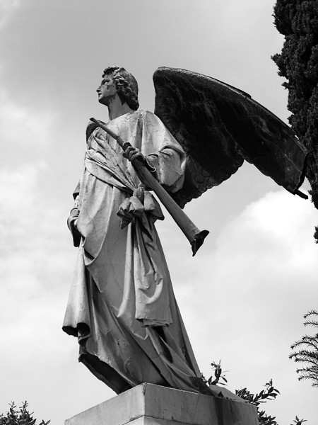 Angel sculpture at Isola di San Michele.