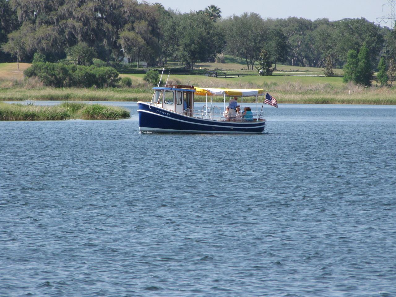 Lake Sumter tour boat cruising around Lake Sumter.