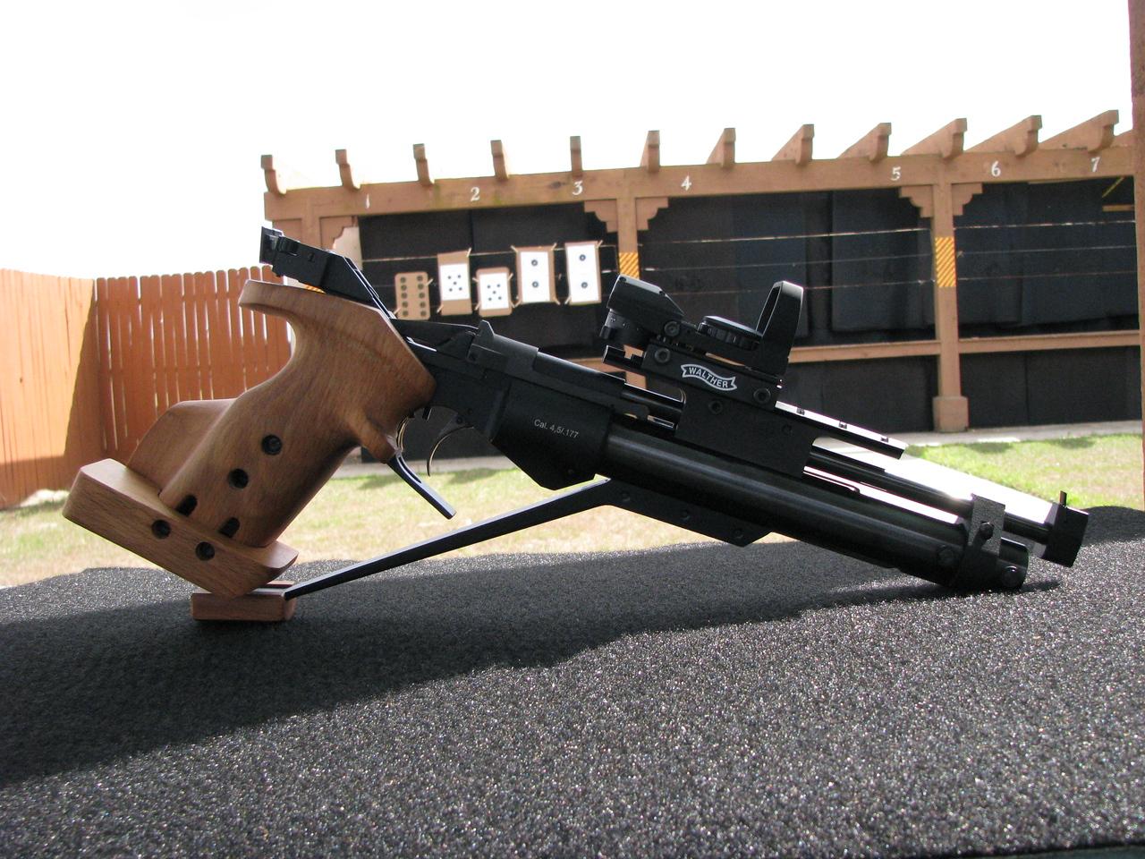 IZH 46M  Competition air pistol