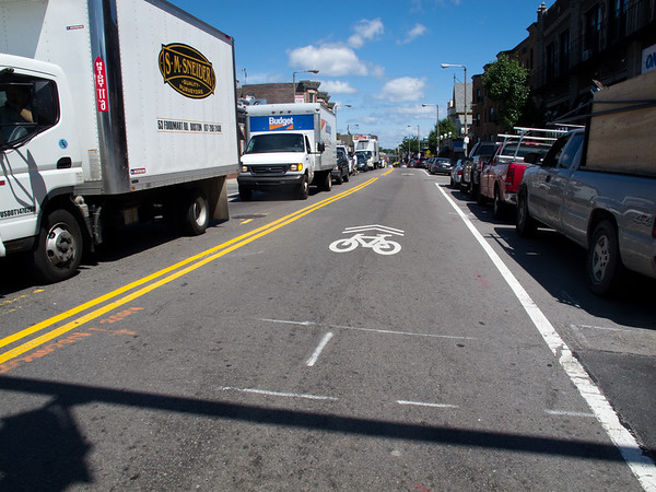 Main Street, Edgartown, bicycles, traffic, bike lanes