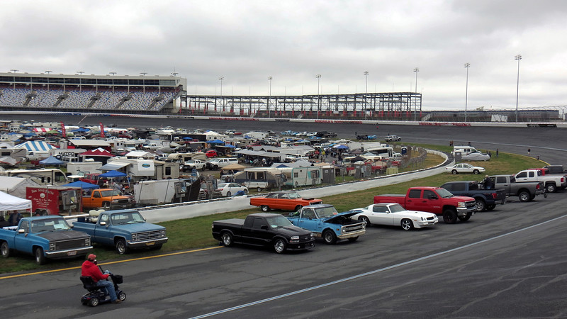 The photos above and below look out over the infield from just before turn 3.