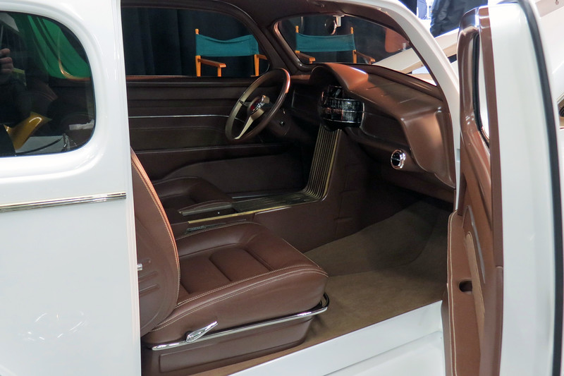 The waterfall theme of the car's grill was applied to the interior.