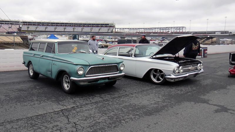 1961 Rambler wagon (L), 1960 Chevrolet (R).