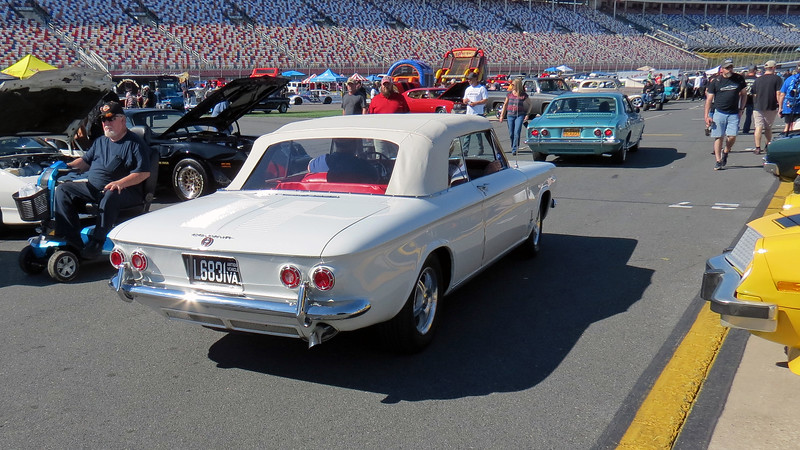 A few of the Corvairs from the local club were leaving for the day and passed by, (we were on Pit Road, after all).
