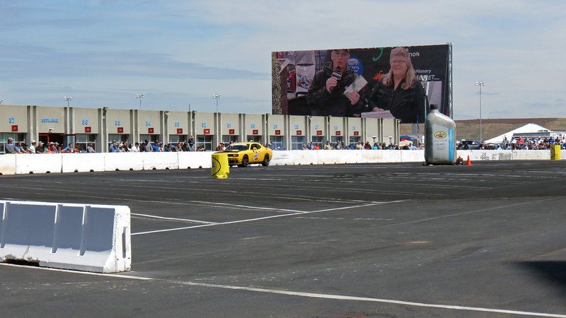 "The Dodge Thrill Rides gave a passenger the opportunity to experience a drift-style ""thrill ride"" in a Hellcat, (either a Challenger or Charger).  The Challenger seen in the photos above was a 6-speed manual car."