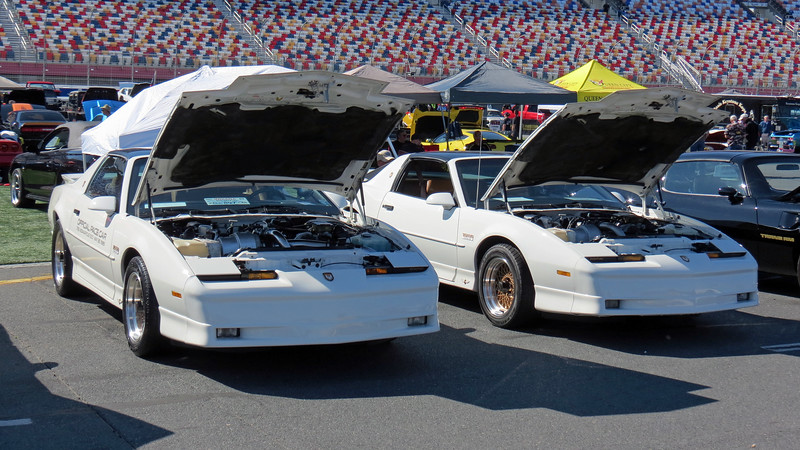 Two more 1989 Pontiac Turbo Trans Am 20th Anniversary cars.