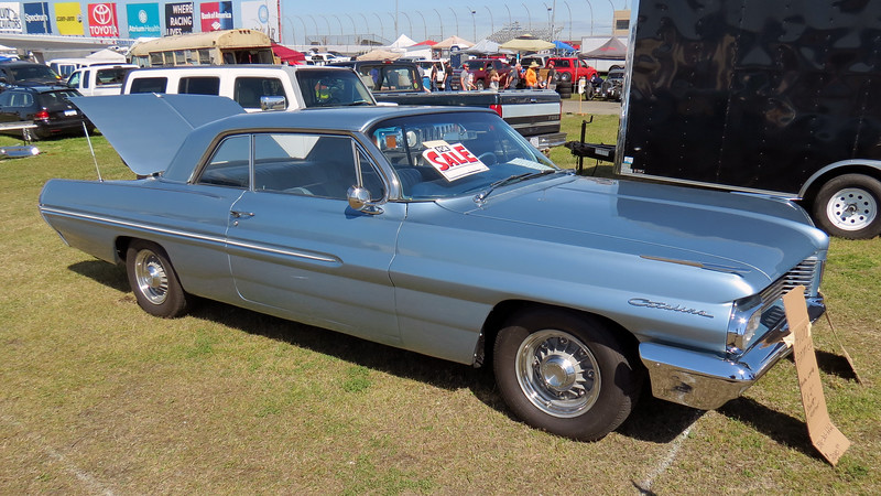Beautiful 1962 Pontiac Catalina.