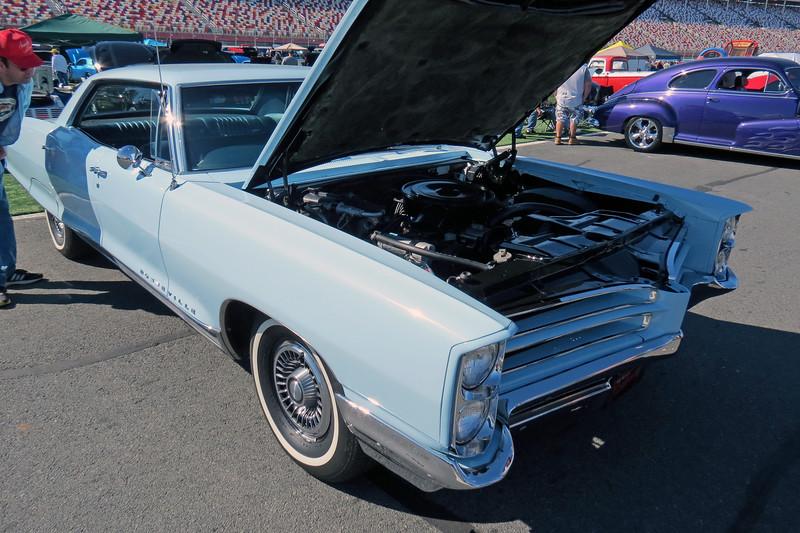 1966 Pontiac Bonneville.