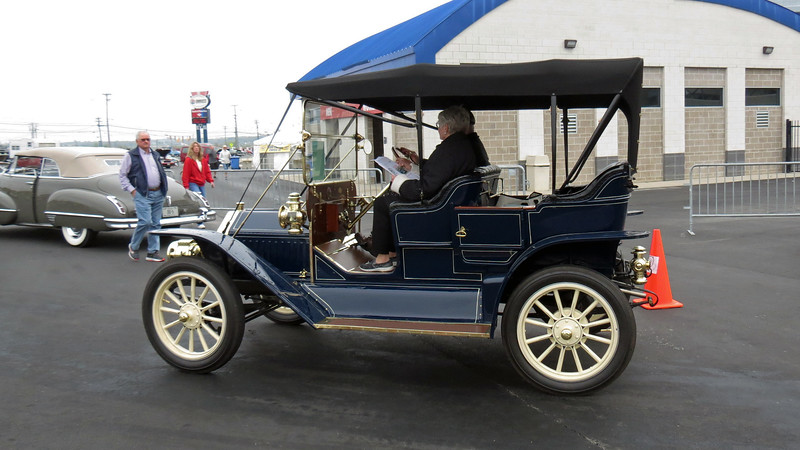 1911 Buick Model 33 Touring.
