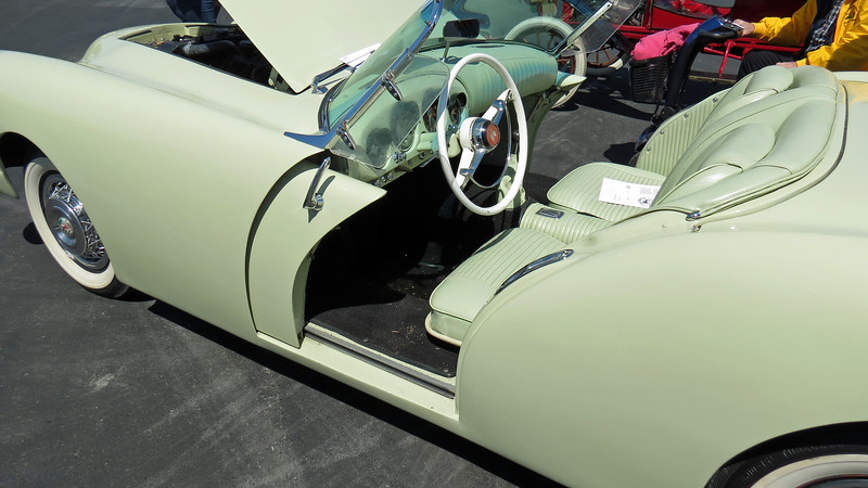 The prototype Darrin debuted in September 1952 at the Los Angeles Motorama show.  This is significant because the Kaiser Darrin became America's first sports car, debuting two months ahead of the Chevrolet Corvette.