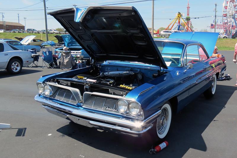 1961 Pontiac Catalina.
