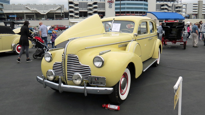 1940 Buick Series 80 Limited.