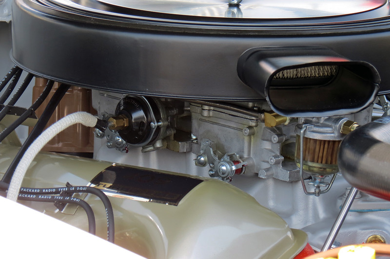 Like the previous 1962 Impala, power comes from Chevrolet's 409 hp 409 CID V8 with two 4-bbl carburetors.
