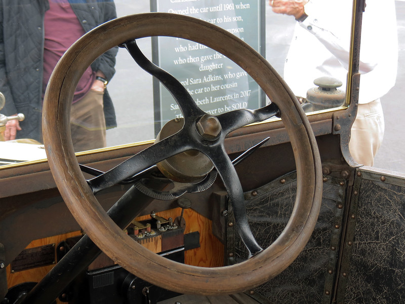 The two levers on the side of the steering column are for spark (left) and throttle (right).