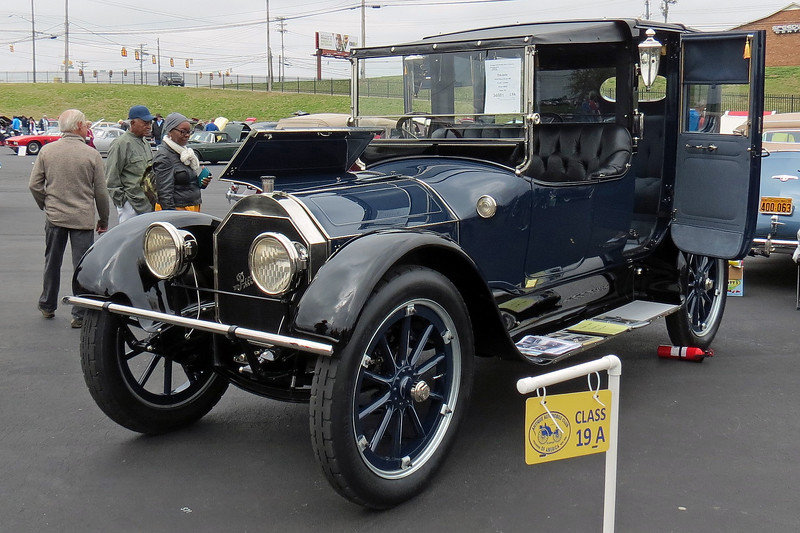 1915 Pierce-Arrow Model 38C.
