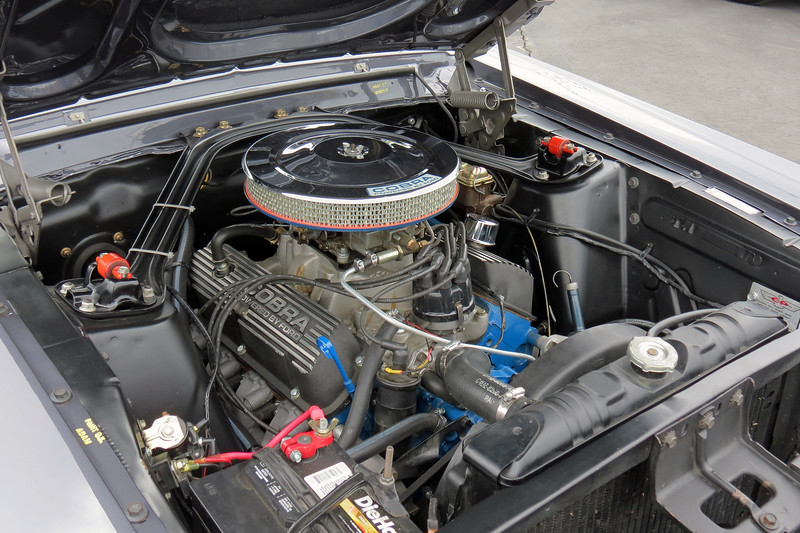 Power comes from the Shelby modified Ford 289 CID V8 that makes 306 hp.