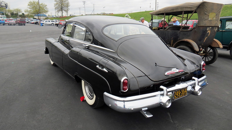 "Buick used the name ""Jetback"" for its version of a fastback roofline, (i.e. a roofline that uses a single slope from the roof to the rear bumper)."