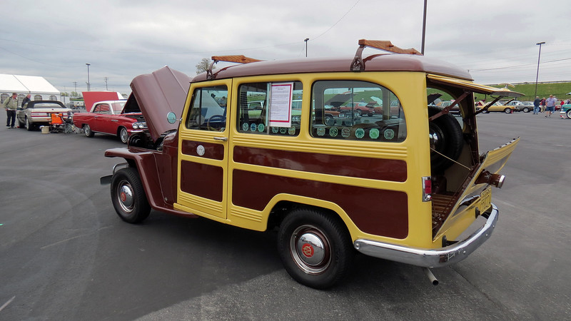 Several body configurations were available.  The Station Wagon was introduced in 1946.  A panel van became available the following year and is extremely rare !  A luxury version of the Station Wagon known as the Station Sedan was introduced in 1948.  A four-wheel drive version known as the Utility Wagon became available in 1949.