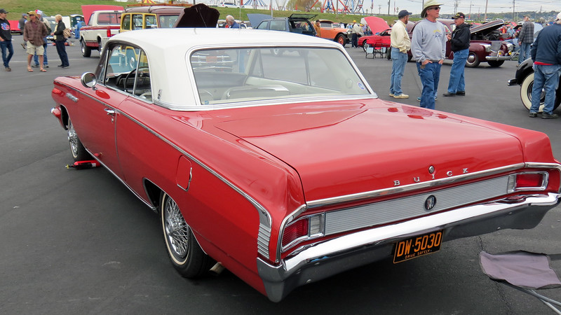 The Skylark proved to be a popular model.  This 1963 example is one of 32,109 coupes produced that year.