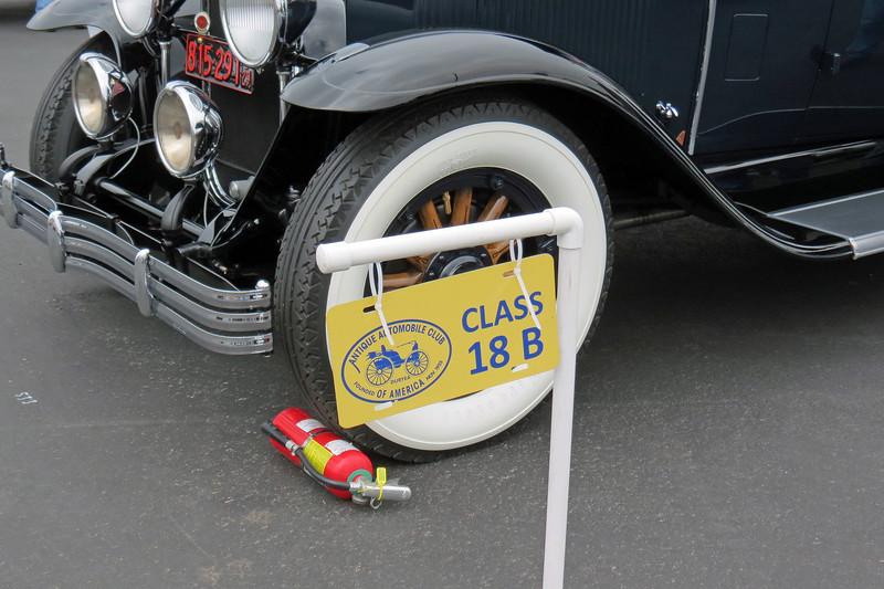 Class 18B:  Gas Vehicles, between 4 and 8 cylinders, 4-wheel brakes, 1920 - 1929.