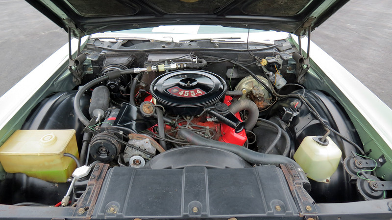 Buick's 455 CID V8 makes 370 hp.  But even better than that is the 510 ft-lbs of torque available at 2,800 rpm.