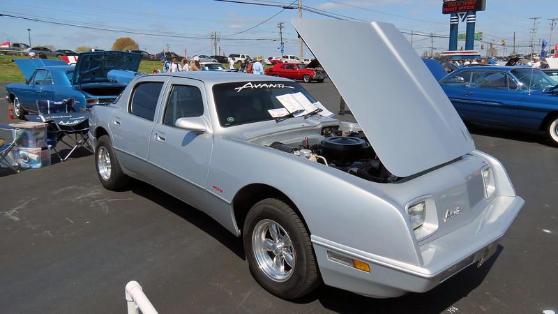 1990 Avanti sedan.