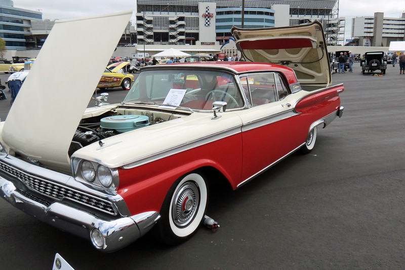 1959 Ford Galaxie Skyliner retractable.